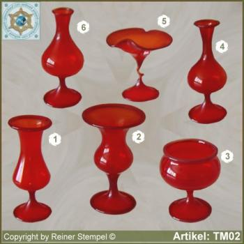 Glass vases, glass bowls miniatures red