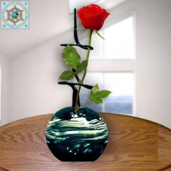 Rose vase from Lauscha color glass with motive